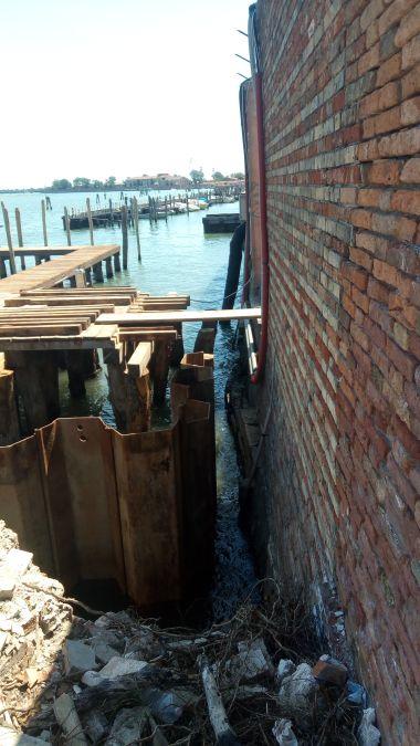 06 palancole esterne sotto pontile darsena luglio 2020 - Bonifica Gasometri Venezia