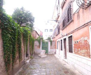 Venezia Casa Vecellio CAMPO DEL TIZIANO - foto di Vittorio Baroni - Bonifica area Gasometri